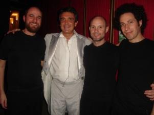 Cuesta Arriba con Nito Artaza. Teatro Broadway (2006)