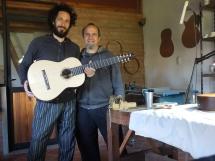 Retirando mi joya de 7 cuerdas. Luthier Diego Contesti (2016)